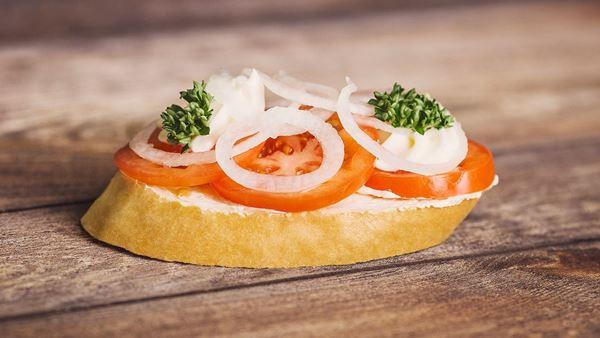 Chlebíček rajčatový