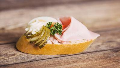 Chlebíček šunkový speciál